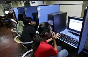 Myanmar Internet Cafe Yangon 2015