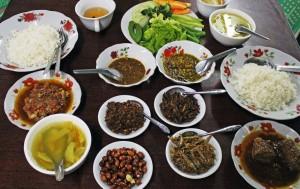 traditional chicken pork burmese curry