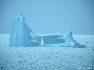 Plan to Refreeze Polar Cap While Icebergs Detour Ships 650KM