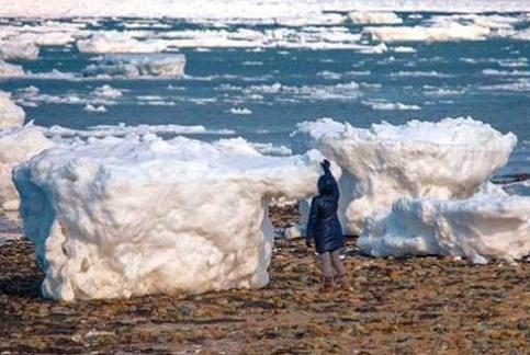Cape Cod Icebergs Wash Ashore 2015